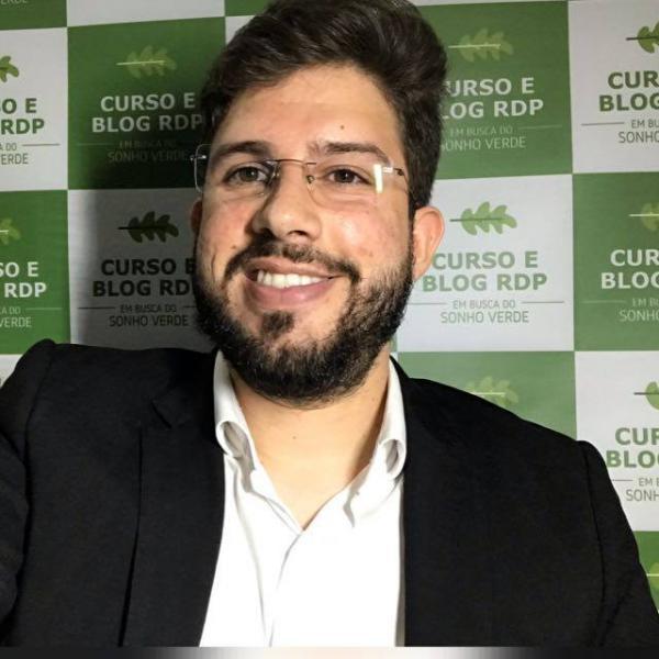 Prof. Victor Linhares